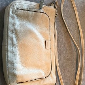 White leather Fossil purse. Gently used condition
